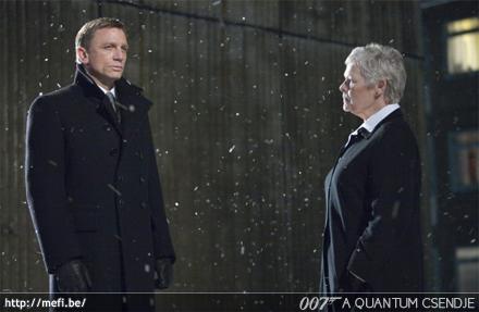 007: A Quantum csendje