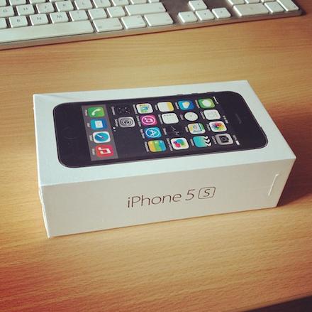 Mefi bontatlan Apple iPhone 5s készüléke