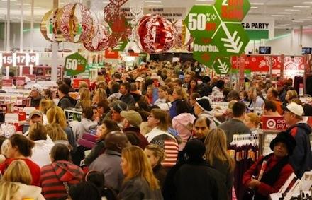 Karácsonyi bevásárlási őrület egy áruházban