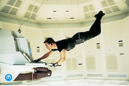 Mission Impossible - Tom Cruise lóg a kötélen