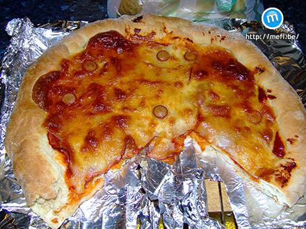 Pizza, amit Mefi csinált.