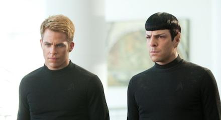 A Sötétségben - Star Trek szereplői