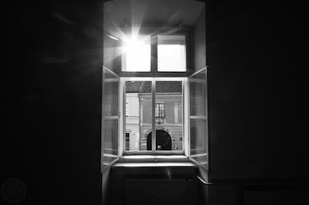 Táncsics börtönének egyik ablaka