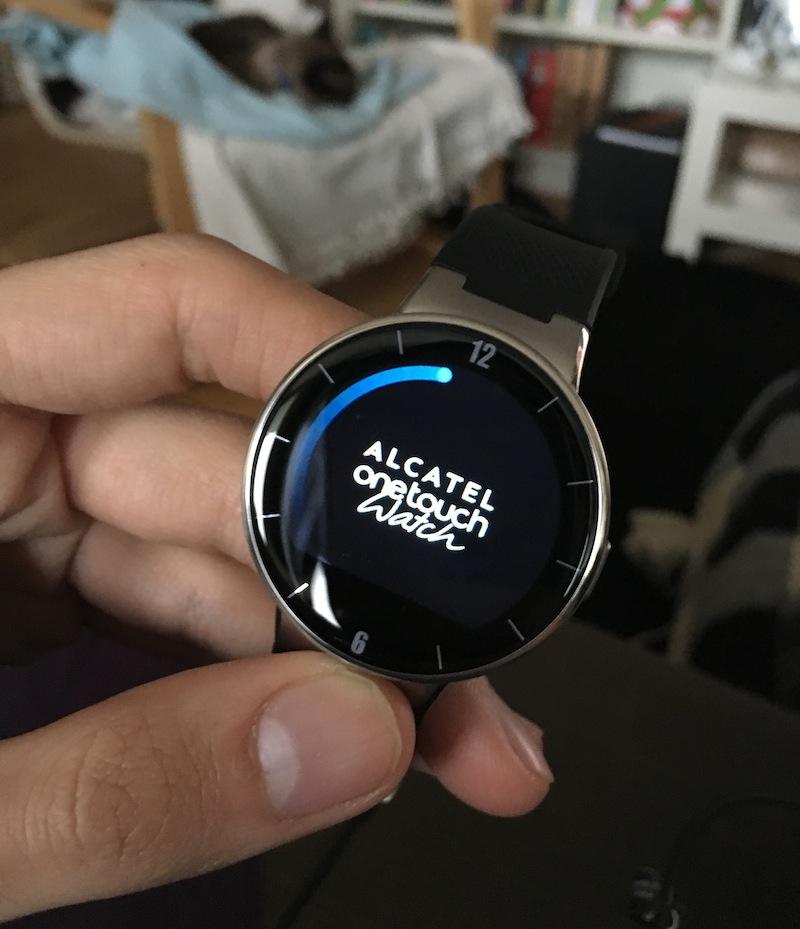Alcatel OneTouch Watch bekapcsolás után