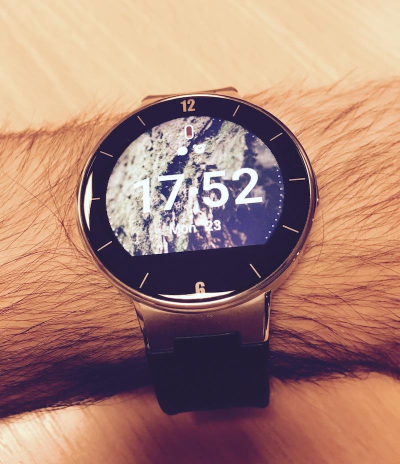 Alcatel OneTouch Watch használat közben