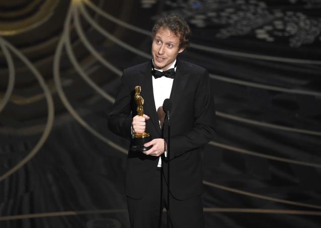 Nemes-Jeles László átveszi az Oscar-díjat