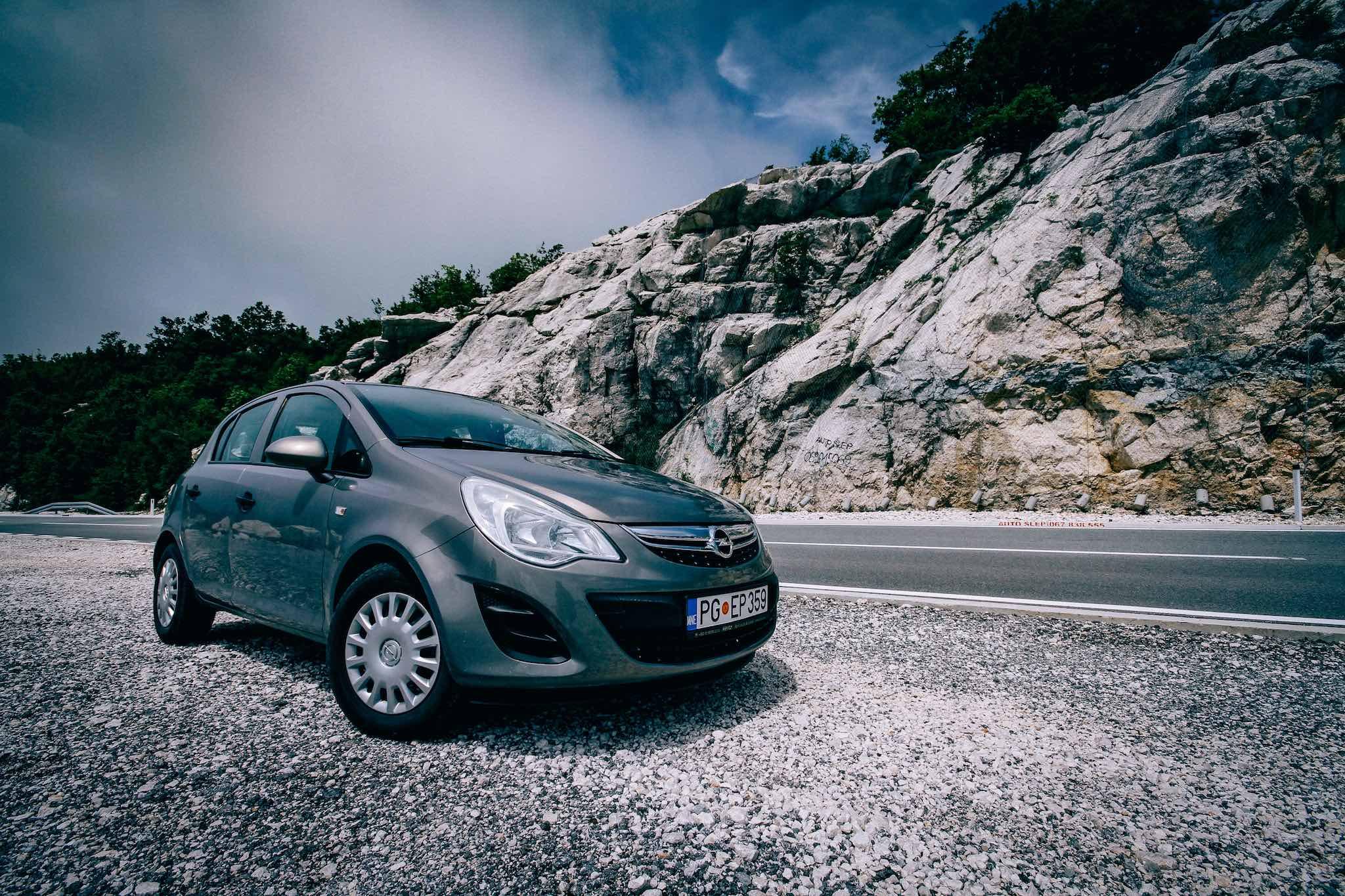 Opel Corsa, Hertz autóbérlés Montenegróban