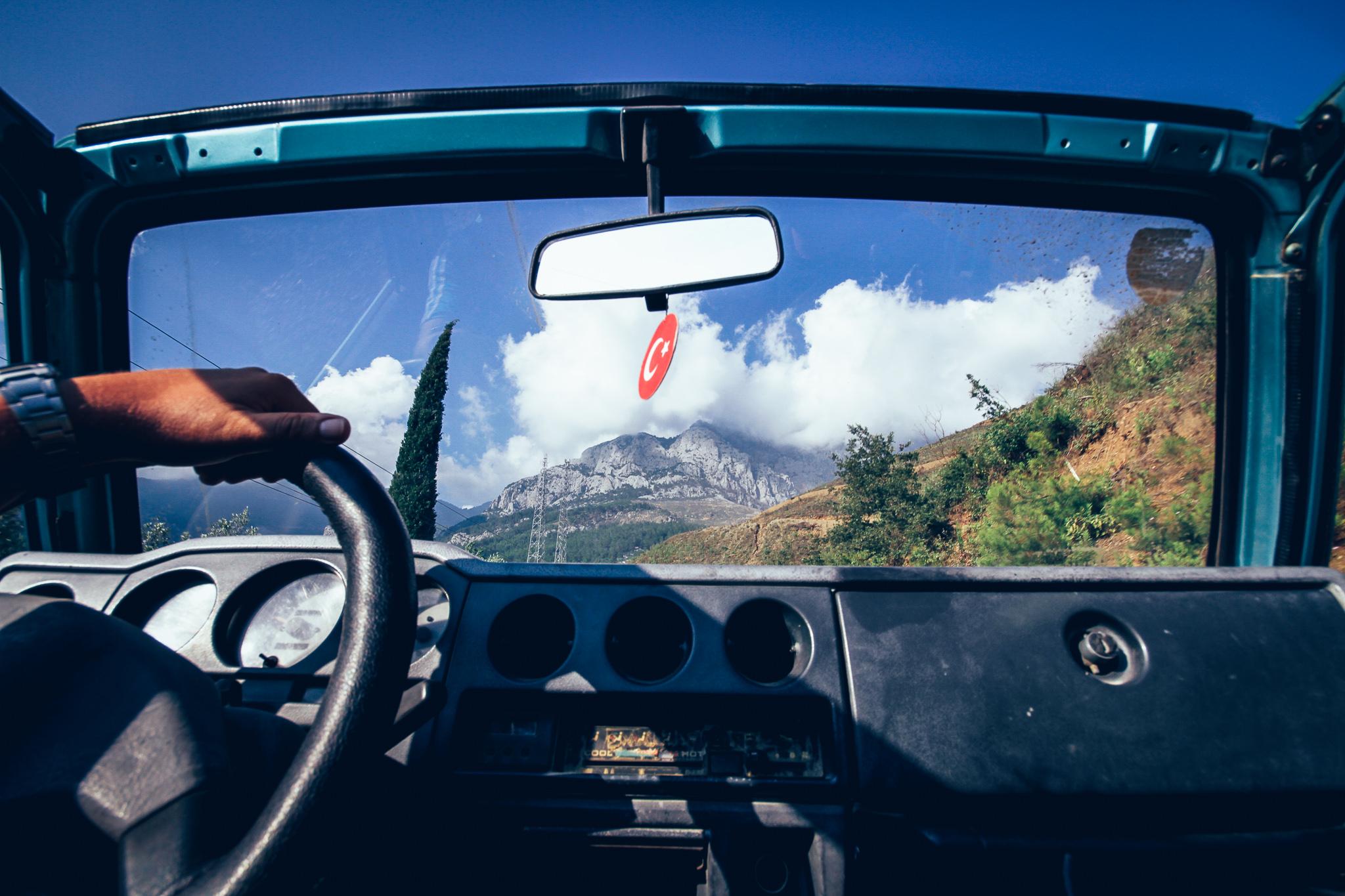 Bérelt Suzuki Samurai Törökországban, a Sapadere kanyonnál, Alanyában