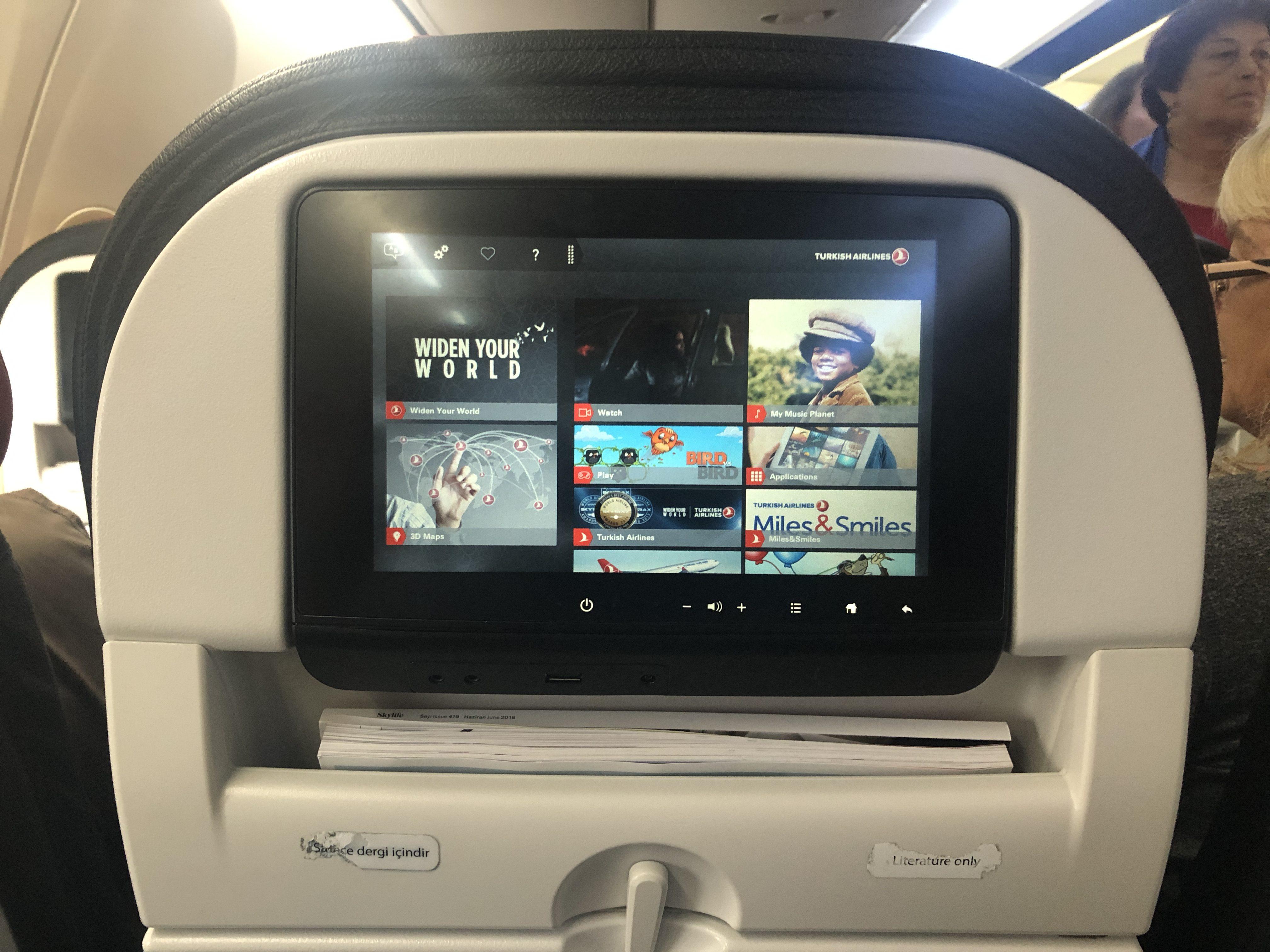 Turkish Airlines - Fedélzeti szórakoztató központ filmekkel, zenékkel